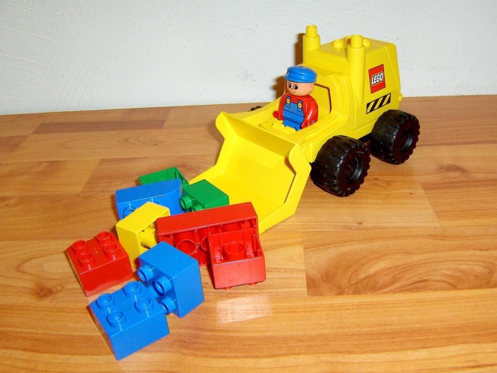 lego duplo bagger gelb mit bauarbeiter und steinen ebay. Black Bedroom Furniture Sets. Home Design Ideas