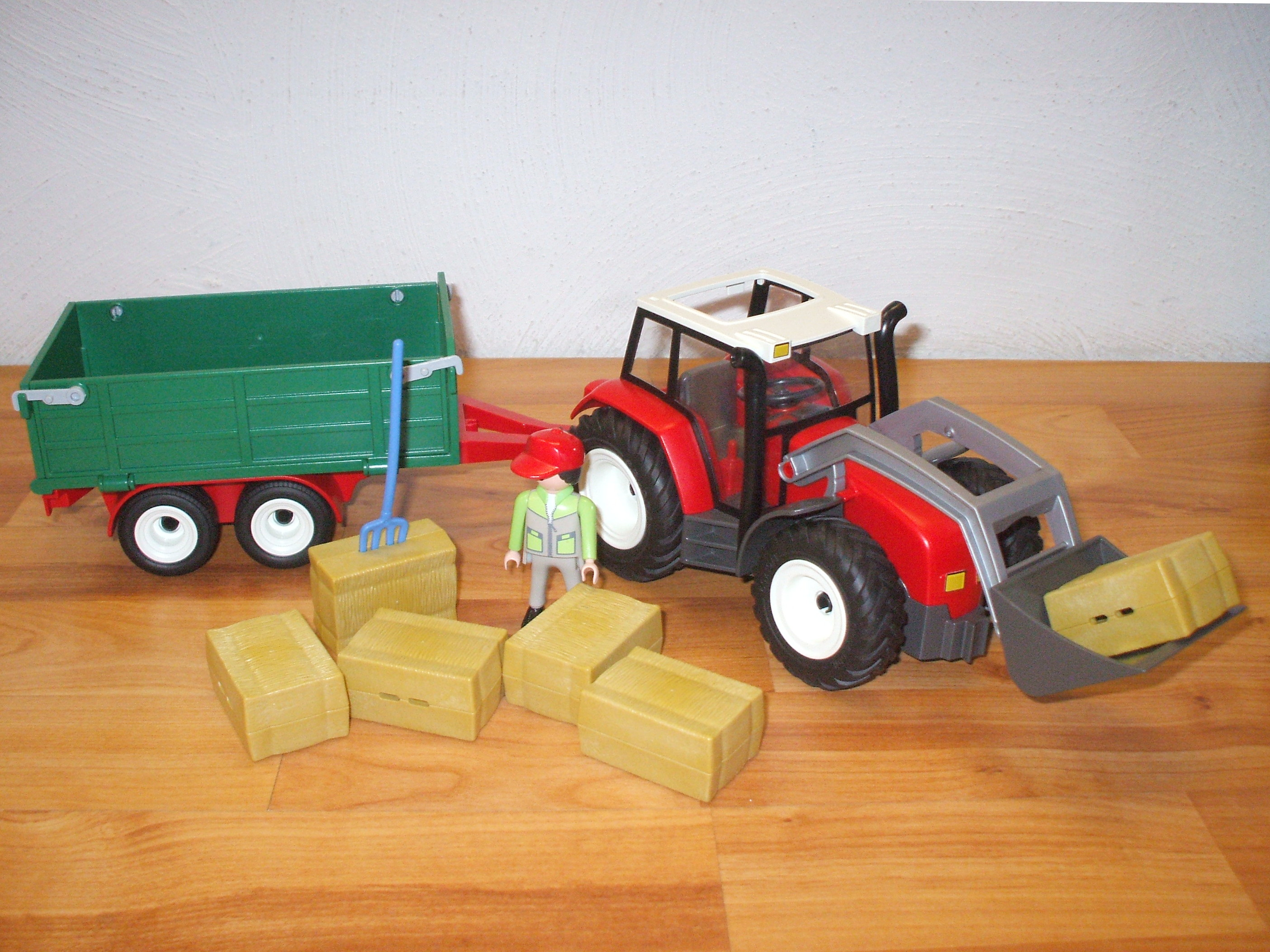 playmobil 4496 roter traktor mit anh nger ebay. Black Bedroom Furniture Sets. Home Design Ideas